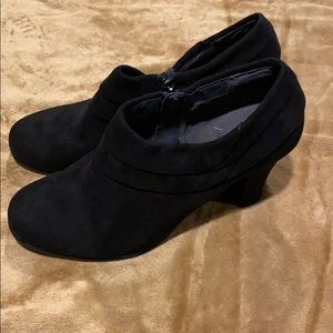Aerosoles suede ankle boot size 9M